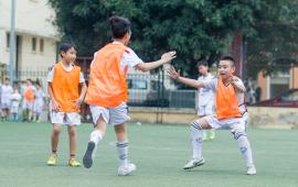 học bóng đá 10