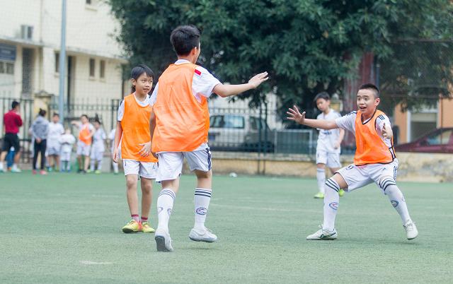 học bóng đá 9