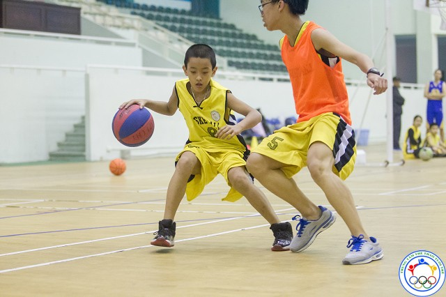 học bóng rổ 15