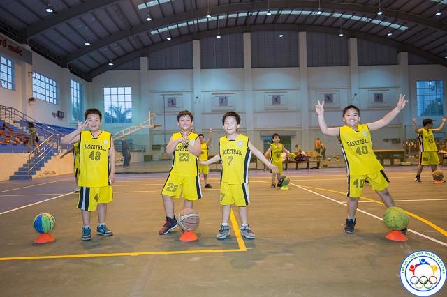 học bóng rổ 16