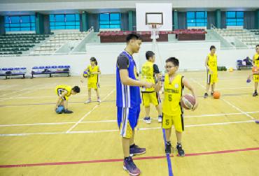 học bóng rổ 43