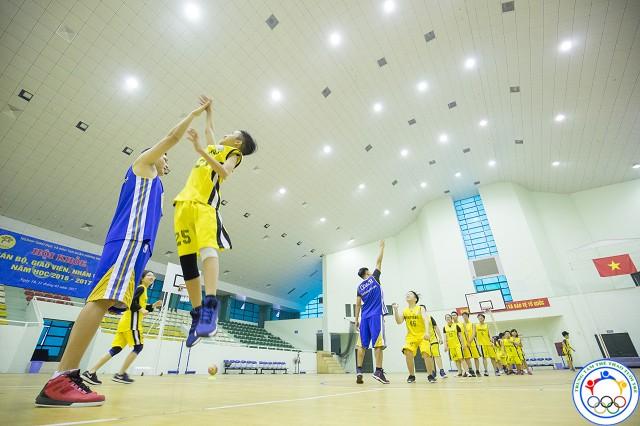 học bóng rổ 52