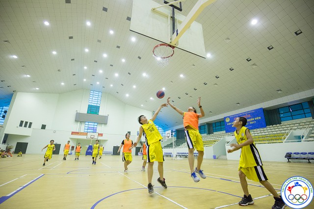 học bóng rổ 53