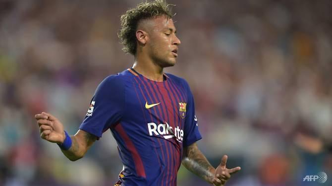 neymar-giu-im-lang-khi-tro-ve-barcelona