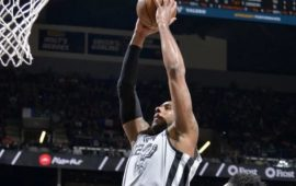 aldridge-39-diem-dan-spurs-qua-wolves